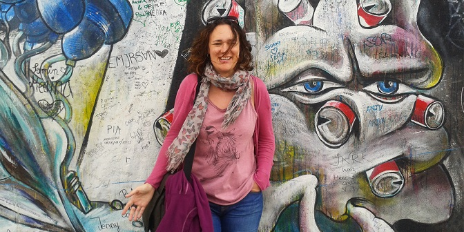 Jo Amos, Wordsmith, at the Berlin Wall